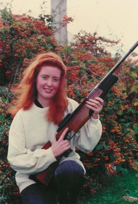 Jente med gevær